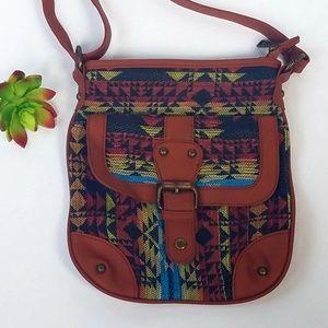 Handbags - EUC Crossbody bag